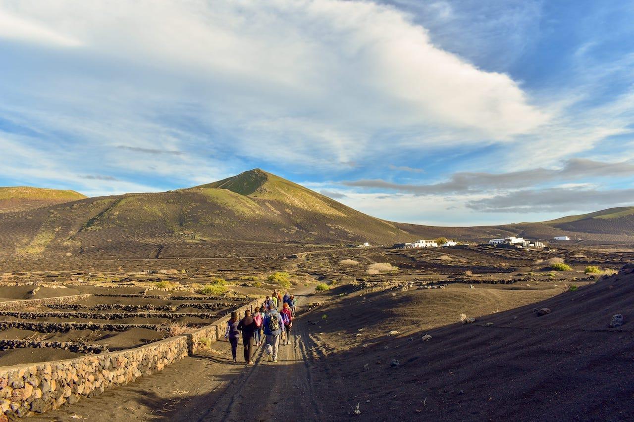 10 Lugares Increíbles Para Practicar Senderismo En Lanzarote Garaday Lanzarote